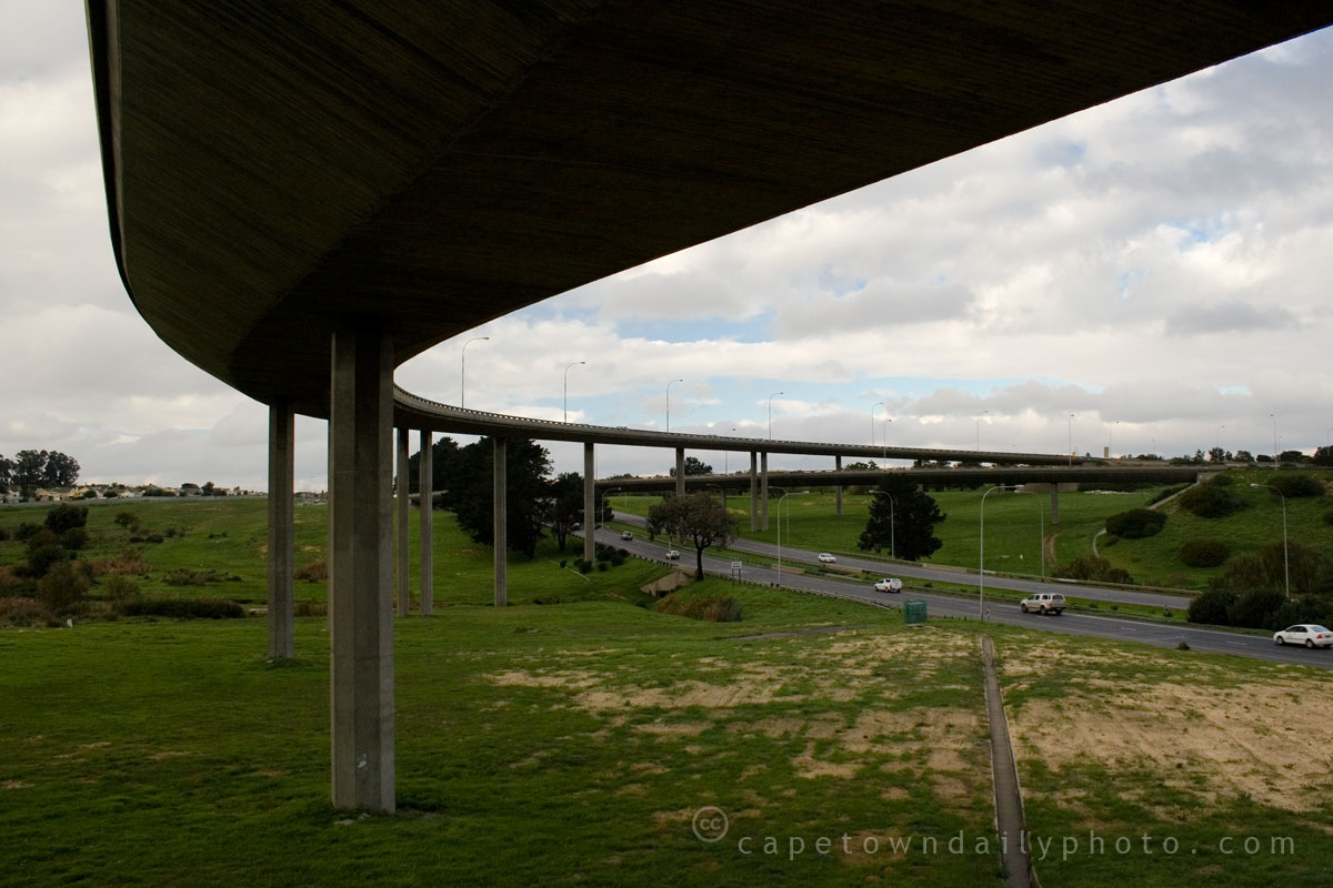 R300 fly-over the N1