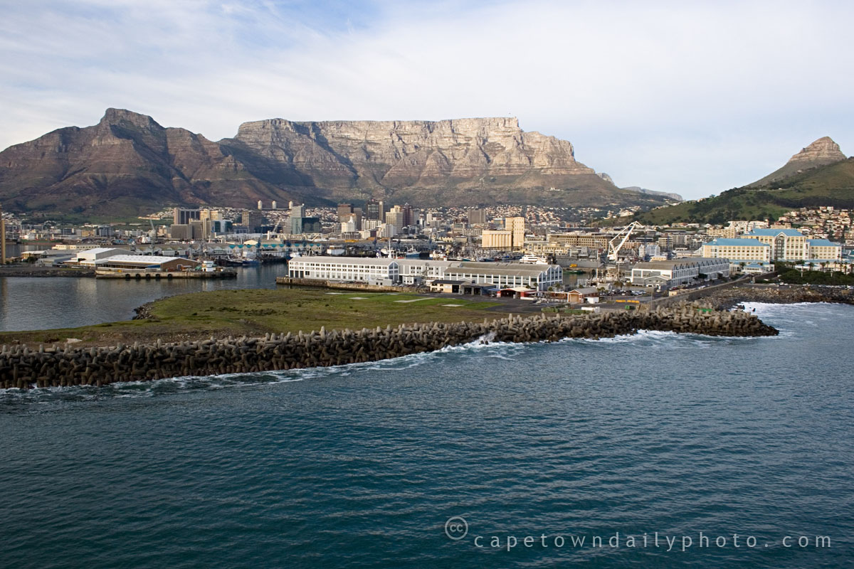Table Mountain, one of the 7 Wonders of the World?