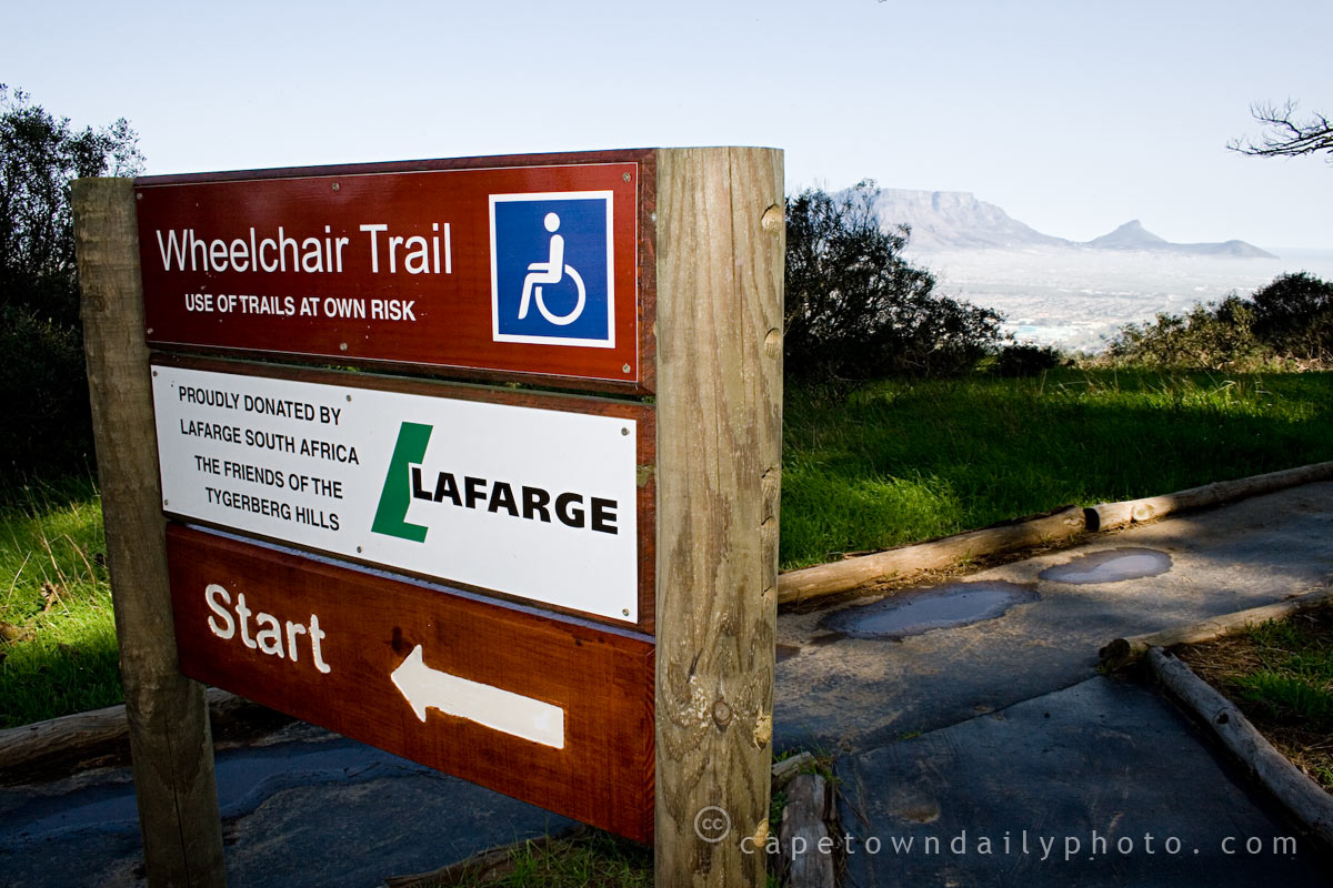 Wheelchair-friendly hiking trail