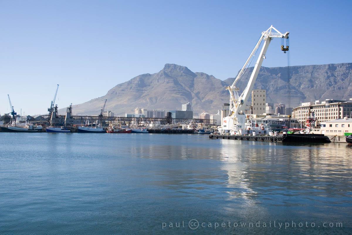 The Inkunzi floating crane