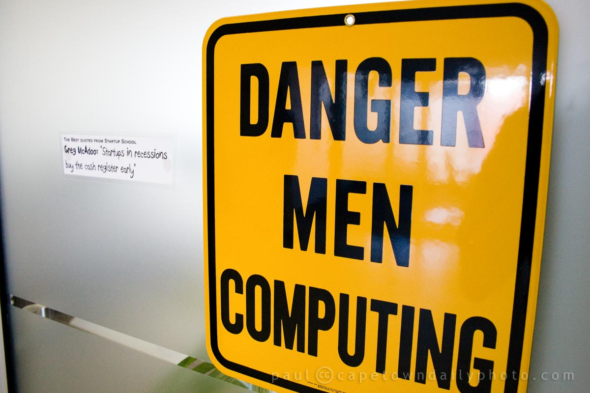 IMG_6485 - Danger, men computing