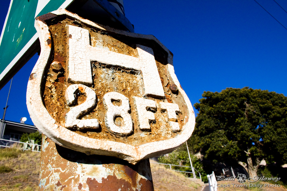 An H28FT lamp post sign