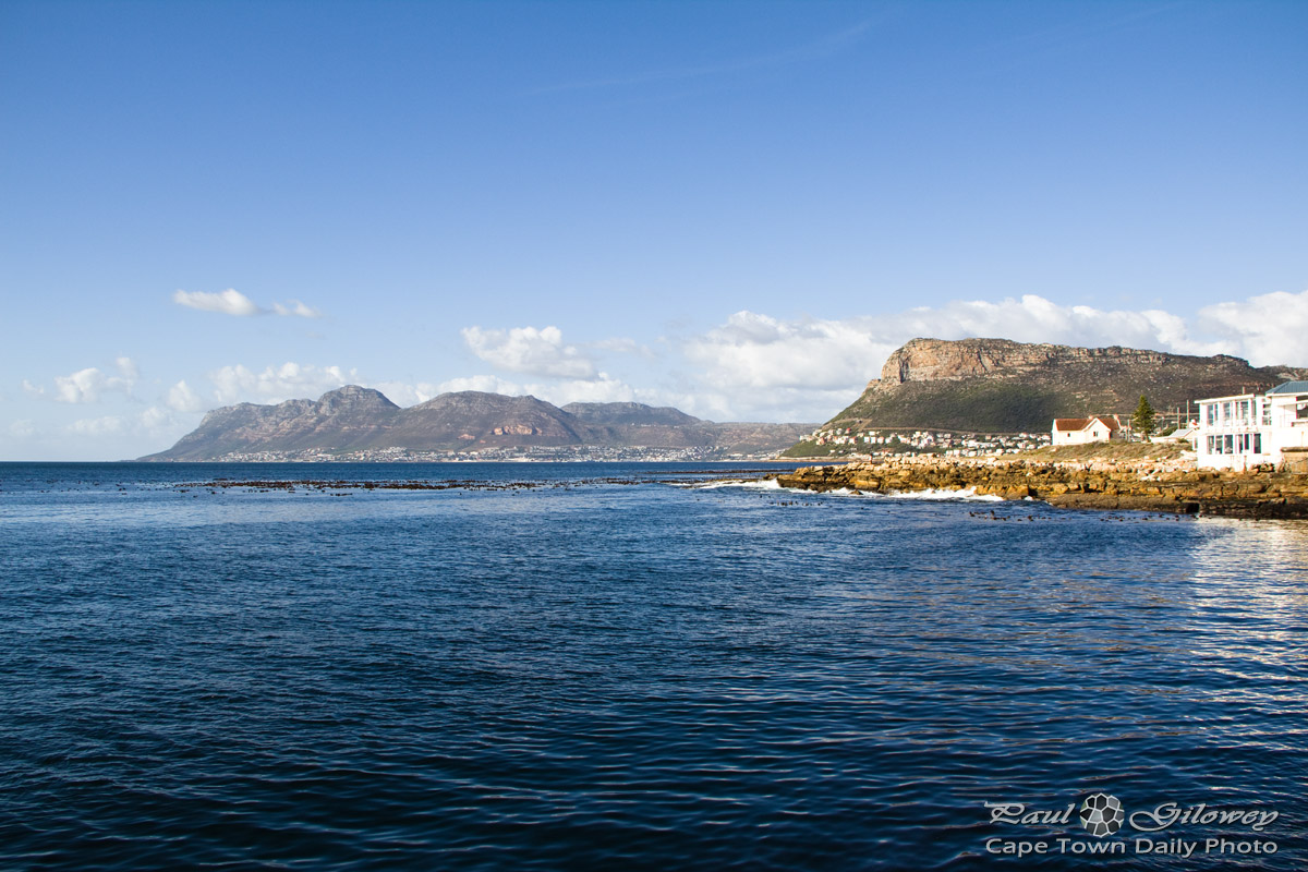 A distant Simon's Town