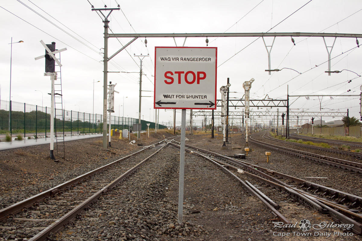 Stop, wait for Shunter
