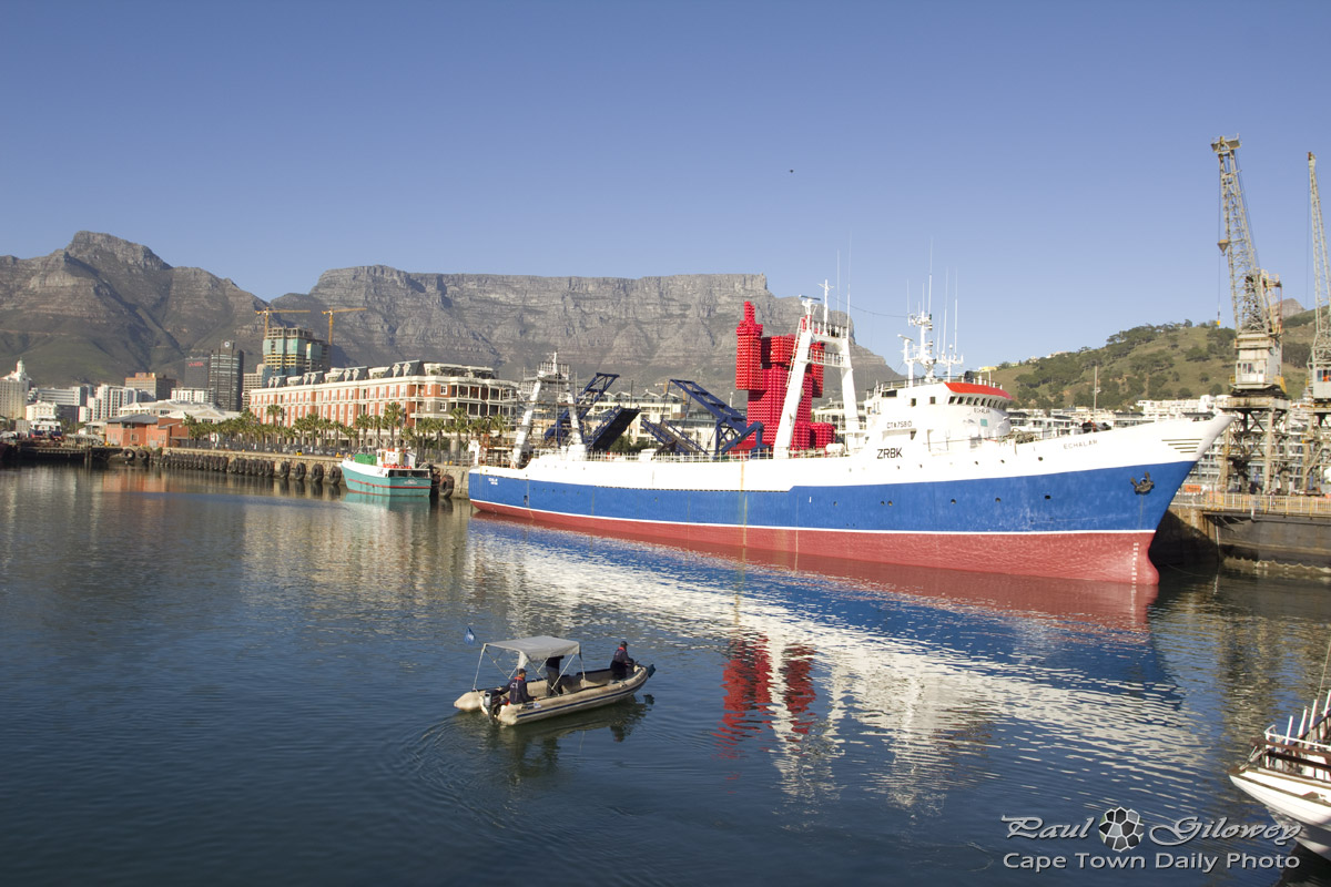 Clear skies and Table Bay harbour