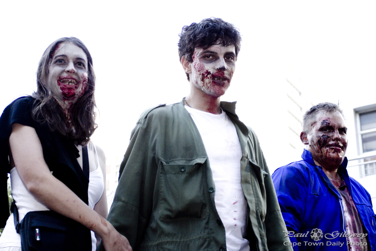 Cape Town Zombie Walk : Smiley Creepy Zombies