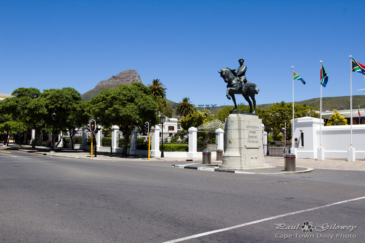 Louis Botha's statue