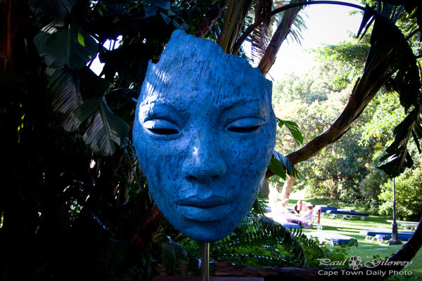 The blue face of art